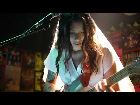 Danilla - Ring (live at Fingers EP Launching, Duck Down Bar)
