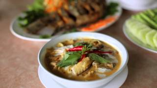 preview picture of video 'Samchai Kai Yang : ร้านสามชัยไก่ย่าง อุบลราชธานี'