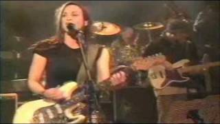 "Alanis Morissette  ""So pure""  2/3 live.wmv"