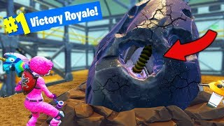 THE METEOR IS *HATCHING* - Fortnite Battle Royale