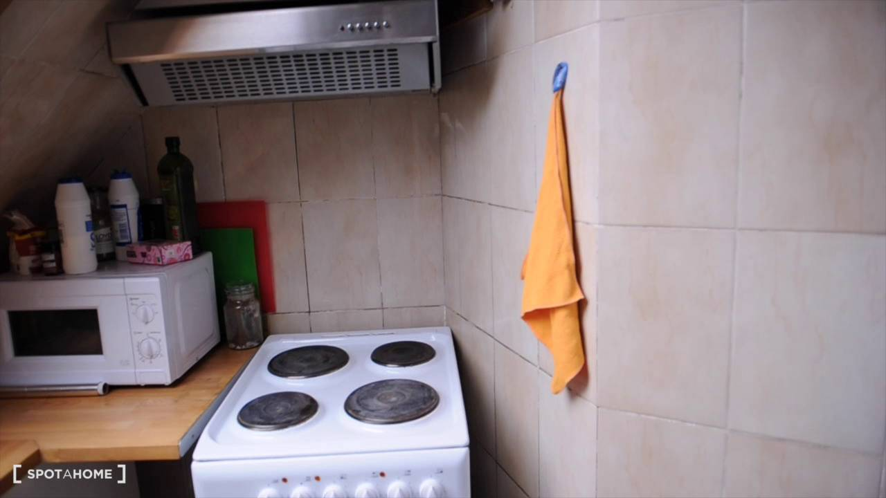 Rooms to rent in modern 8-bedroom houseshare with 2 kitchens - Golders Green