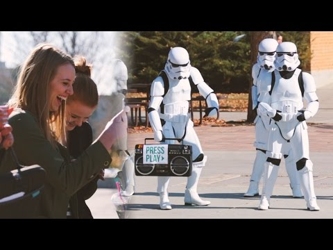 DANCING STORMTROOPER TWERK - FLASH MOB! // ScottDW