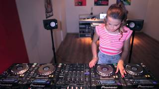 Juicy M & 4 CDJs – NEW 2014