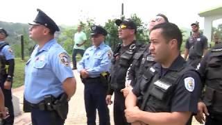 Alcalde de Ciales reconoce a policías que laboraron durante crisis del huracán