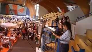 preview picture of video 'Flashmob pendant les Greniers de St. Pierre - Gex, 28/09/14- midi'