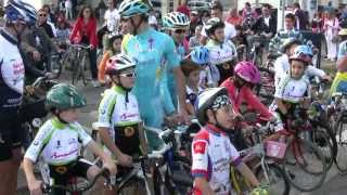 preview picture of video 'Giovinazzo Pedalata con Vincenzo Nibali e Valerio Agnoli dal'