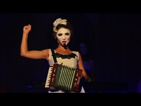 спектакль Дах Дотерс / Dakh Daughters Band в Львове - 9