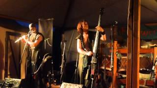 preview picture of video 'Musica Immortalis - Frauen von Paris [live auf Mittelaltertage Hallbergmoos - Sa. 07.07.2012]'