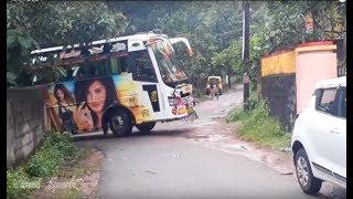 ചെറിയ റോഡിൽ കൊമ്പന്റെ അഭ്യാസം ! AMBADI Travels Mass Show on Narrow Roads