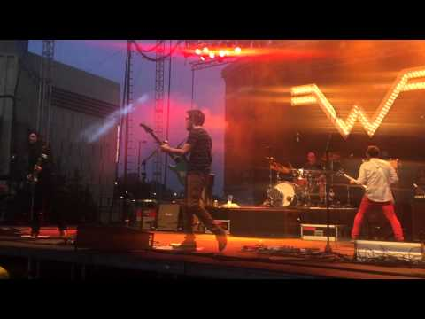 Weezer - Eulogy For A Rock Band - Live (4/18)