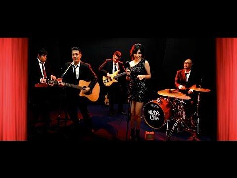 Manu & Show Official Music Video