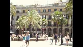 preview picture of video 'Plaza Real de Barcelona (Plaça Reial)'