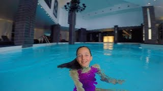 Swimming underwater in an indoor swimming pool - Video Youtube