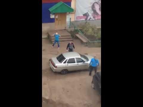 Один победил троих в драке из-за парковки в Башкирии