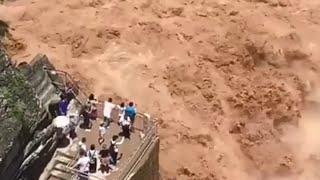 Yellow River ! Powerful
