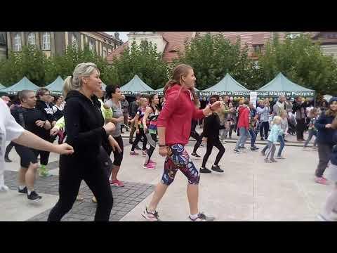 Duża Taneczna Impreza Na Rynku
