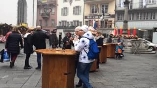 スイス発 ルツェルン市内のクリスマスマーケットで食べ歩き【スイス情報.com】