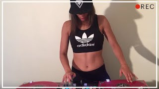 DJ Lady Style – It's Getting Hot In Here
