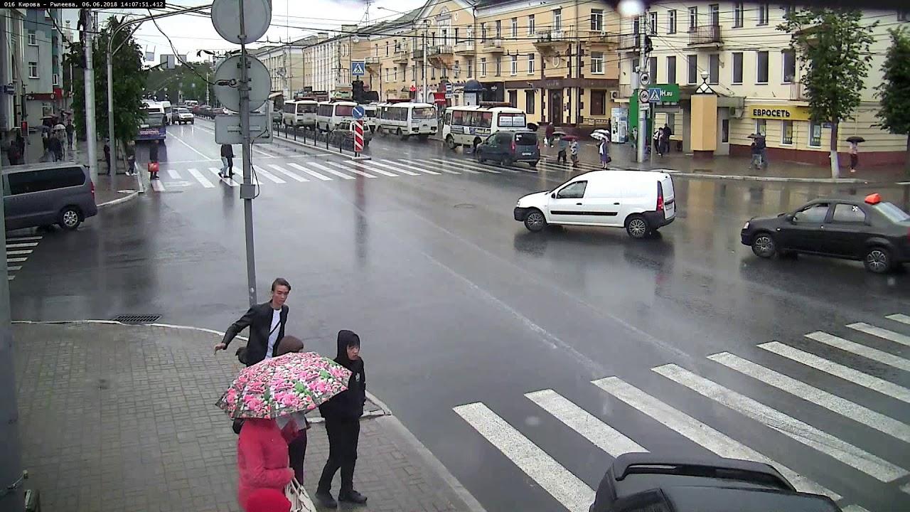 Везучие пешеходы в Калуге