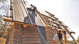Off Grid Log Cabin S 2 Ep 12 / Teaching My Girlfriend Woodworking (Building Roof)
