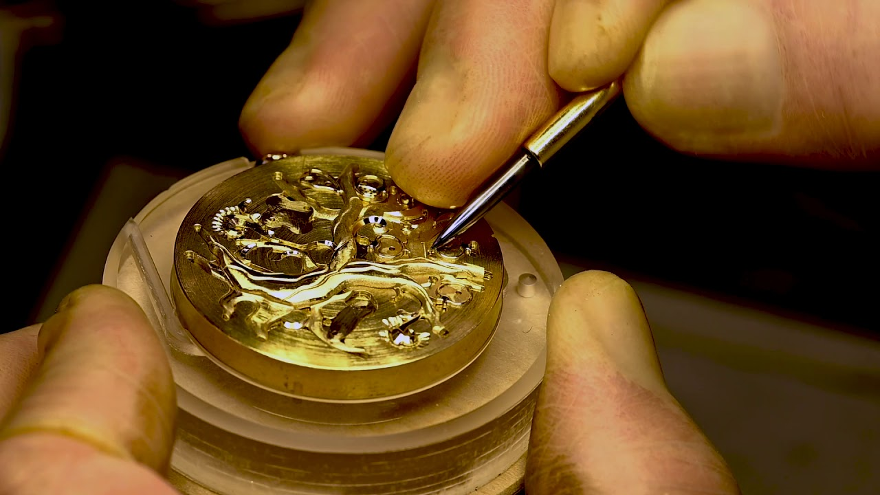 "Terui's engraving skills during the production of Credor 45th Anniversary Limited Edition Model ""Three-Dimensional Hand-Engraved Pocket Watch"" ©SEIKO"