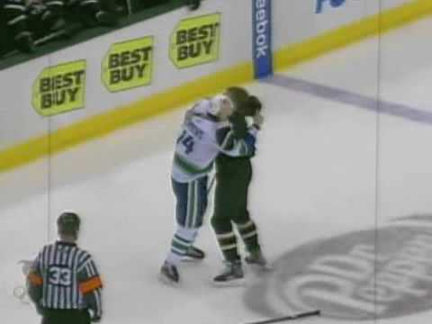 Alexandre Burrows vs Steve Ott