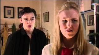 Extrait (VO) - Michelle découvre Tony et Abigail (VO)
