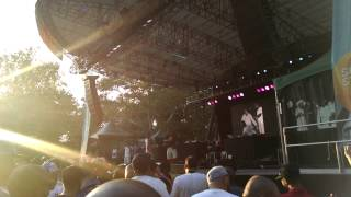 Brand Nubian to the right 20150816