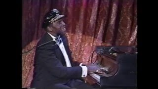 Bonnie Raitt  Charles Brown - Merry Christmas Baby - Tonight Show 10-10-1992
