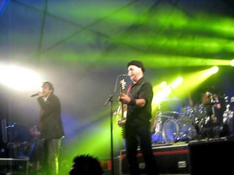Lindefeesten - Band Zonder Banaan - Houten Brug - 22 april 2011 Sambeek
