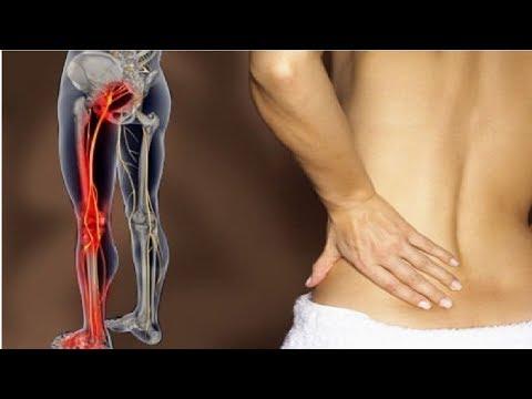 Behandlung von kleiner Akne auf dem Rücken und Schultern