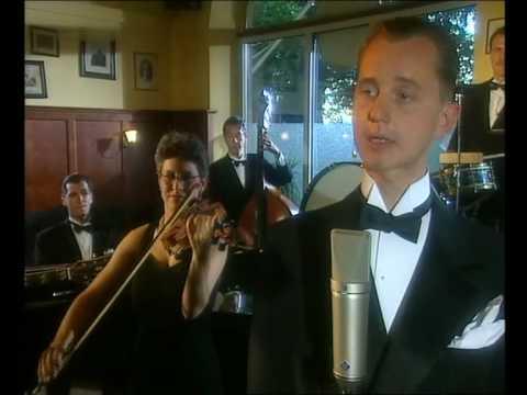 Max Raabe & Das Palast Orchester - Ich küsse ihre Hand Madame 2003
