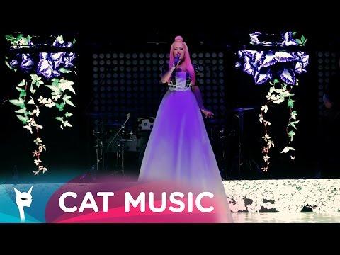 Delia - Ce are ea (Official Video Live)
