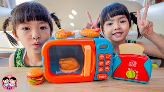 หนูยิ้มหนูแย้ม | เล่นของเล่นไมโครเวฟและเครื่องปิ้งขนมปัง