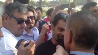 Fc Bari, l'abbraccio dei tifosi e la promessa di Giancaspro: «Lavorerò per darvi certezze»
