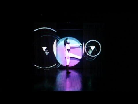 国立音楽大学 竹田栞「multiple」for performance and multi-projection