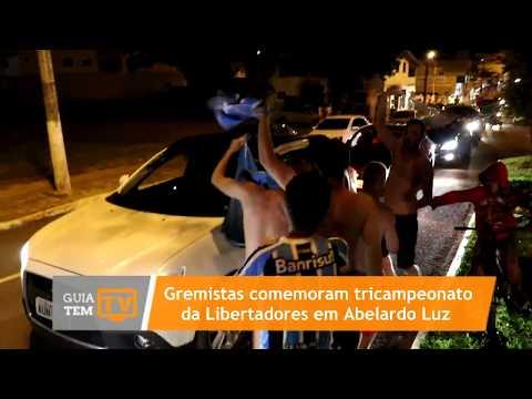 Gremistas de Abelardo Luz comemoram tricampeonato da Libertadores 2017