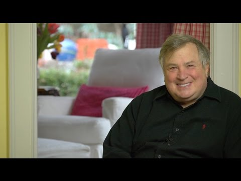 The Shocking Brand New Hillary Email Scandal! Dick Morris TV: Lunch ALERT!