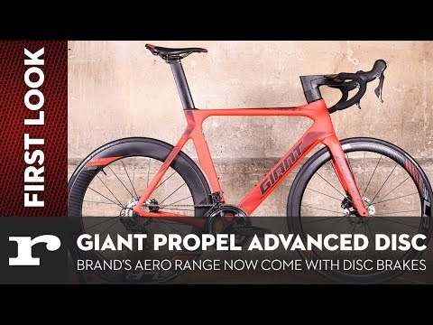 Видео о Велосипед Giant PROPEL ADVANCED DISC neon red