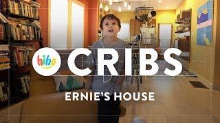 Ernie Gives us a House Tour! | HiHo Cribs | HiHo Kids
