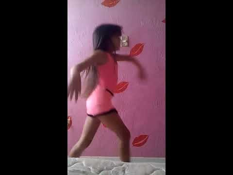 niña de 10 años bailando