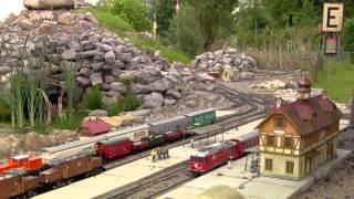 preview picture of video 'Eisenbahnspielen in freier Natur. Garten- und Parkbahnen im Schwabenland'