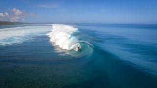 Videomaker Captura Imagens de Swell Perfeito em Mentawai.