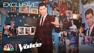 Blake Shelton Gives Nick Jonas a Tour of the Shrine Blake Built to Nick - The Voice 2020