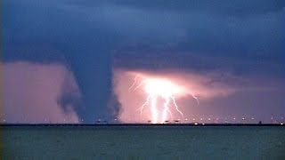 preview picture of video '6/1/2012 Elizabeth River Suffolk to Hampton Virginia Tornado'