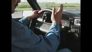 Смотреть онлайн Как правильно управлять рулем: урок вождения