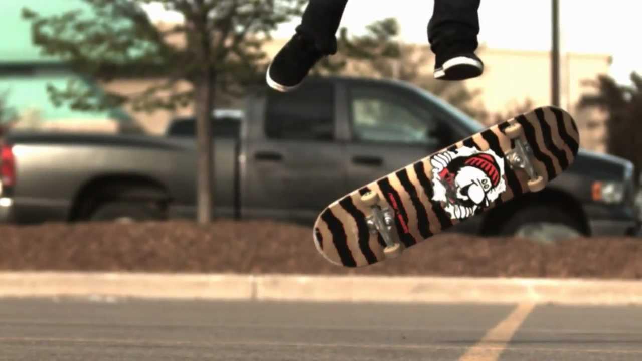 1000fps Skateboard Tricks Are Mesmerising