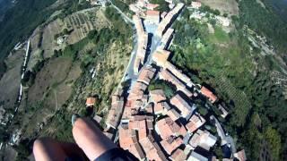 preview picture of video 'Volo su Chiusdino, Monticiano e San Galgano di sera e di mattina.divx'