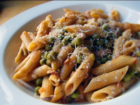 Penne Pasta with Peas and Prosciutto