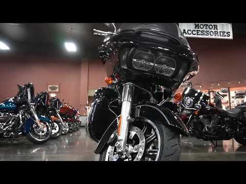 2017 Harley-Davidson Road Glide® Ultra in Mauston, Wisconsin - Video 1